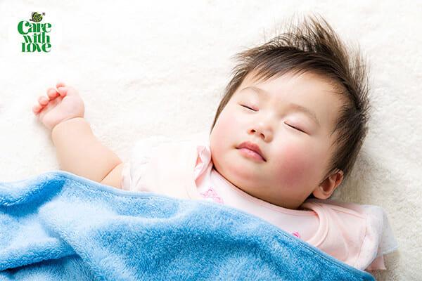 chăm sóc bé sơ sinh dịp tết