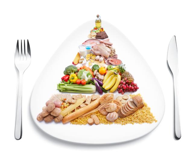 Bữa ăn cần phải đảm bảo đủ dinh dưỡng cho bé