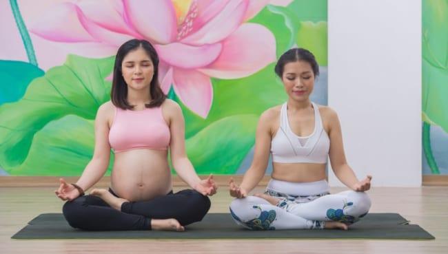 Yoga bầu 3 tháng đầu mang lại những lợi ích gì cho mẹ và bé?