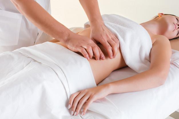 Massage giảm mỡ bụng sau sinh