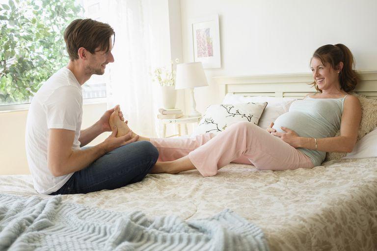Cách ly toàn xã hội –  Top 10 điều mẹ bầu nên làm trong mùa dịch
