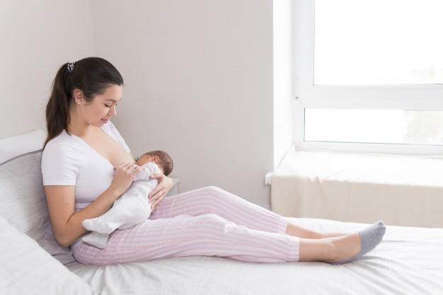 Dinh dưỡng trong sữa mẹ và cách bảo quản sữa mẹ tốt nhất