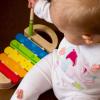 Trẻ mấy tháng biết ngồi và cách mẹ hỗ trợ bé tập ngồi